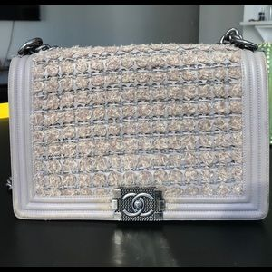 Chanel Boy Tweed. Number: A92193Y609262B811.